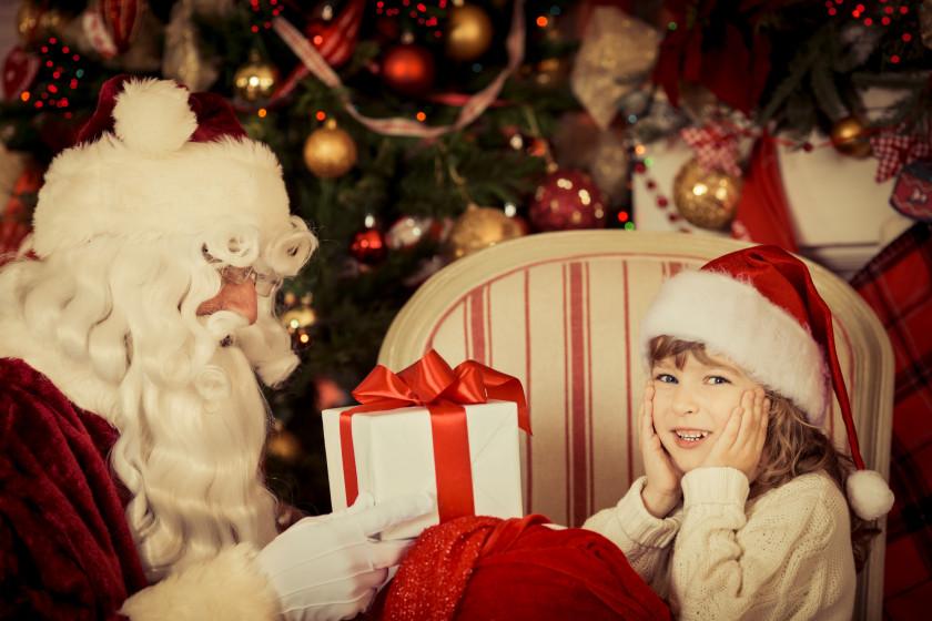 Картинки с новогодними подарками и дедом морозом