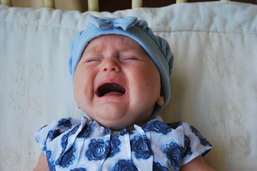 Сопли у новорожденного: что делать и как вылечить быстро?